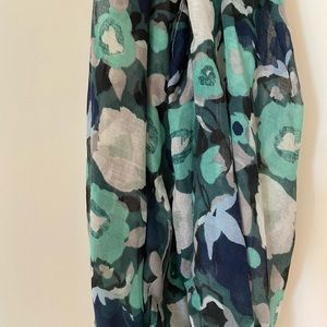 ⭐️Navy blue turquoise poppy floral infinity scarf